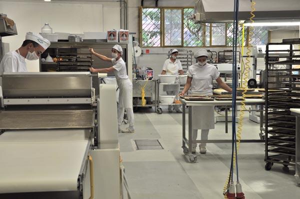Cagliari: Cercasi addetta/o alle pulizie full time per laboratorio pasticceria